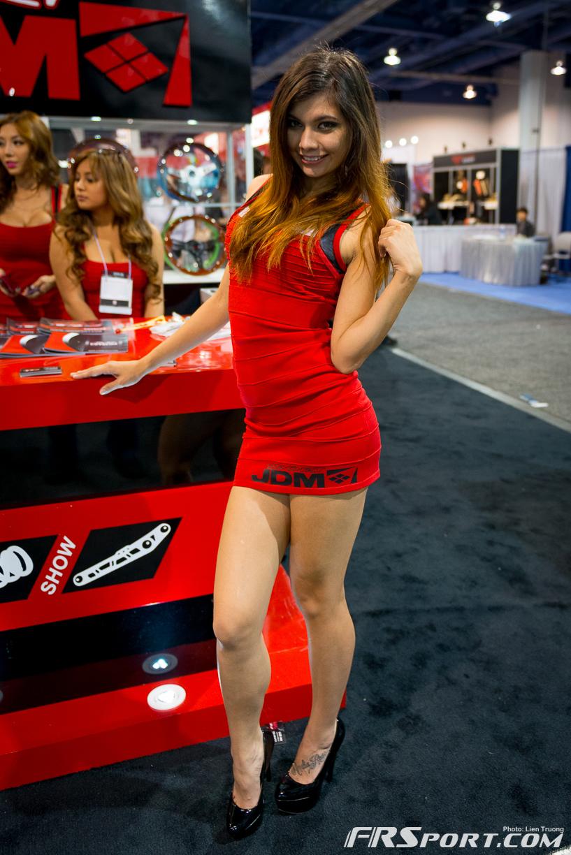 2013-sema-models-024