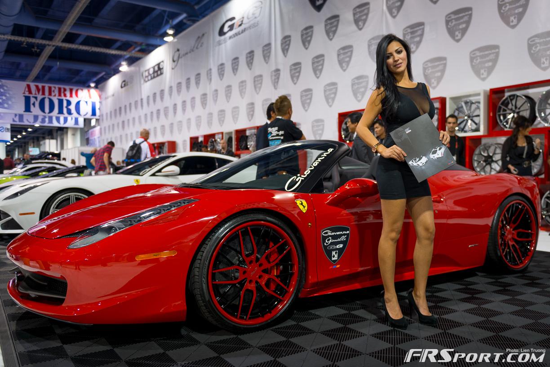 2013-sema-models-035