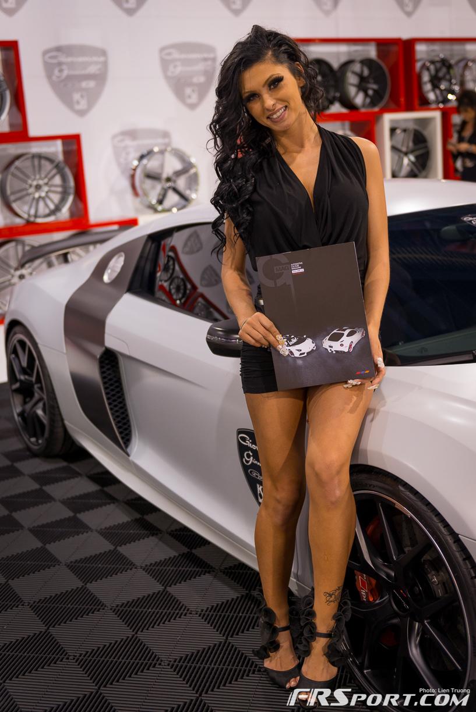 2013-sema-models-041