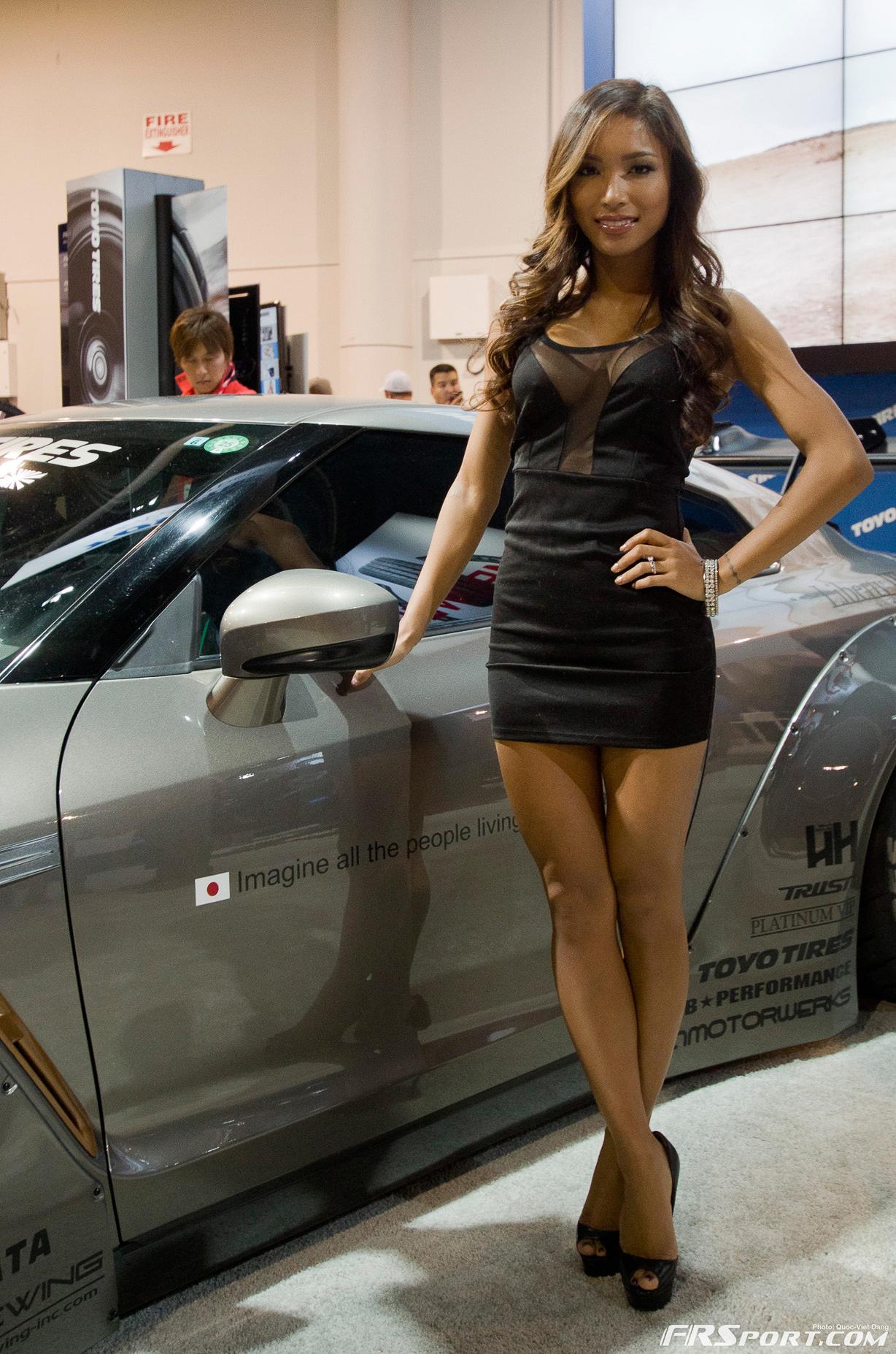 2013-sema-models-042