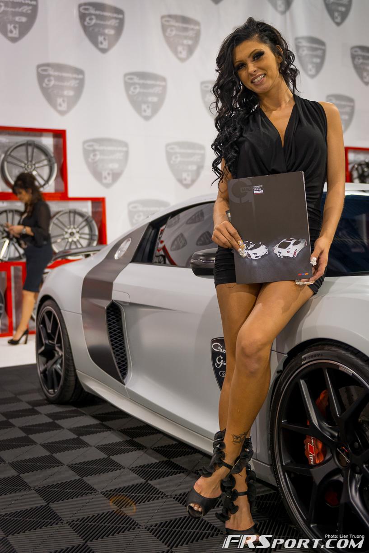 2013-sema-models-043