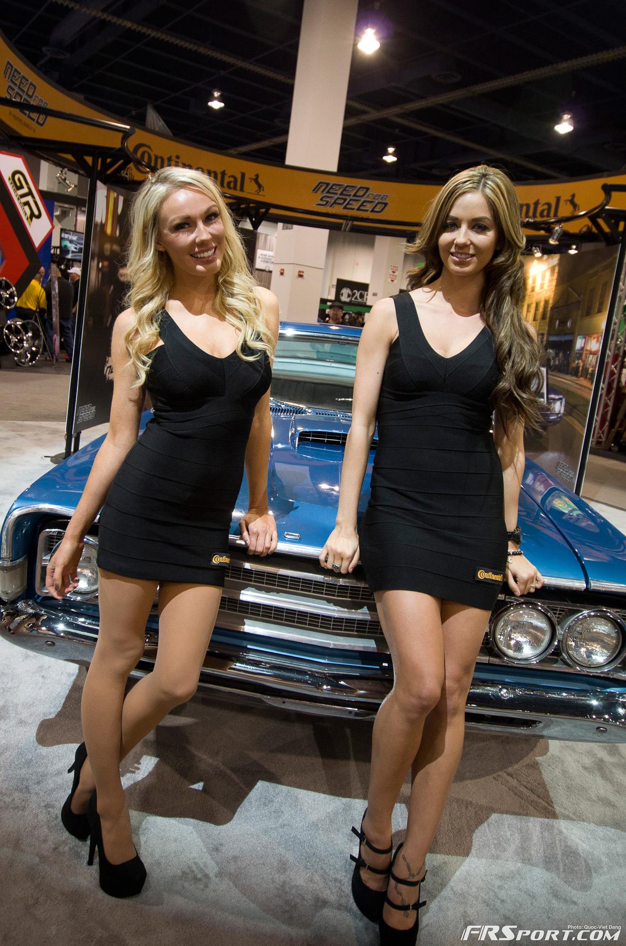 2013-sema-models-057