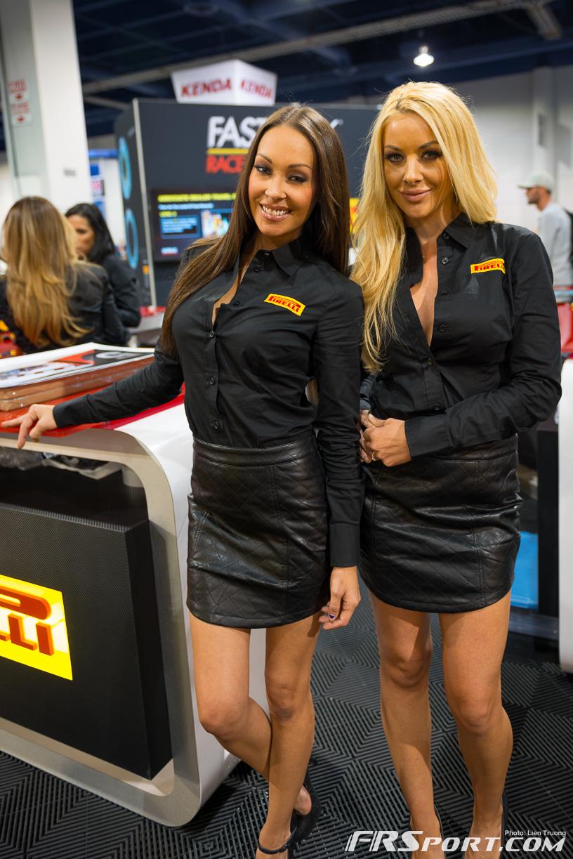 2013-sema-models-065