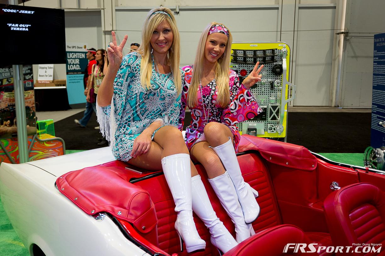 2013-sema-models-077