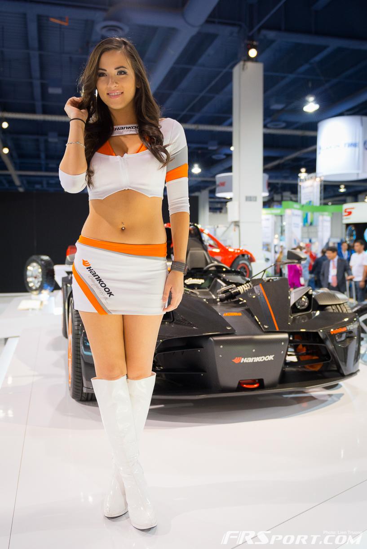 2013-sema-models-082