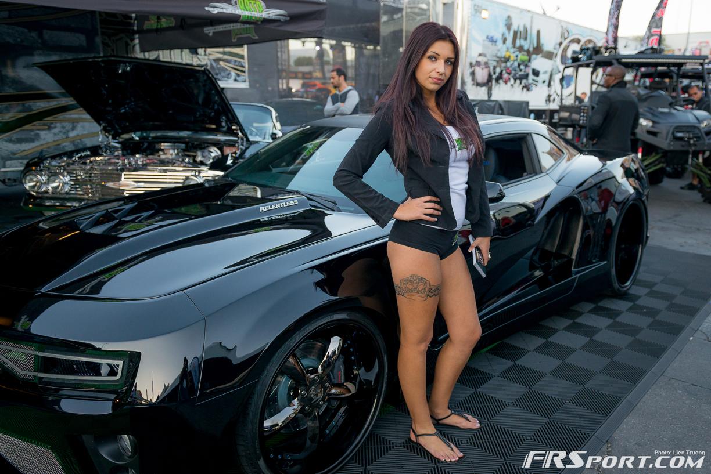 2013-sema-models-084