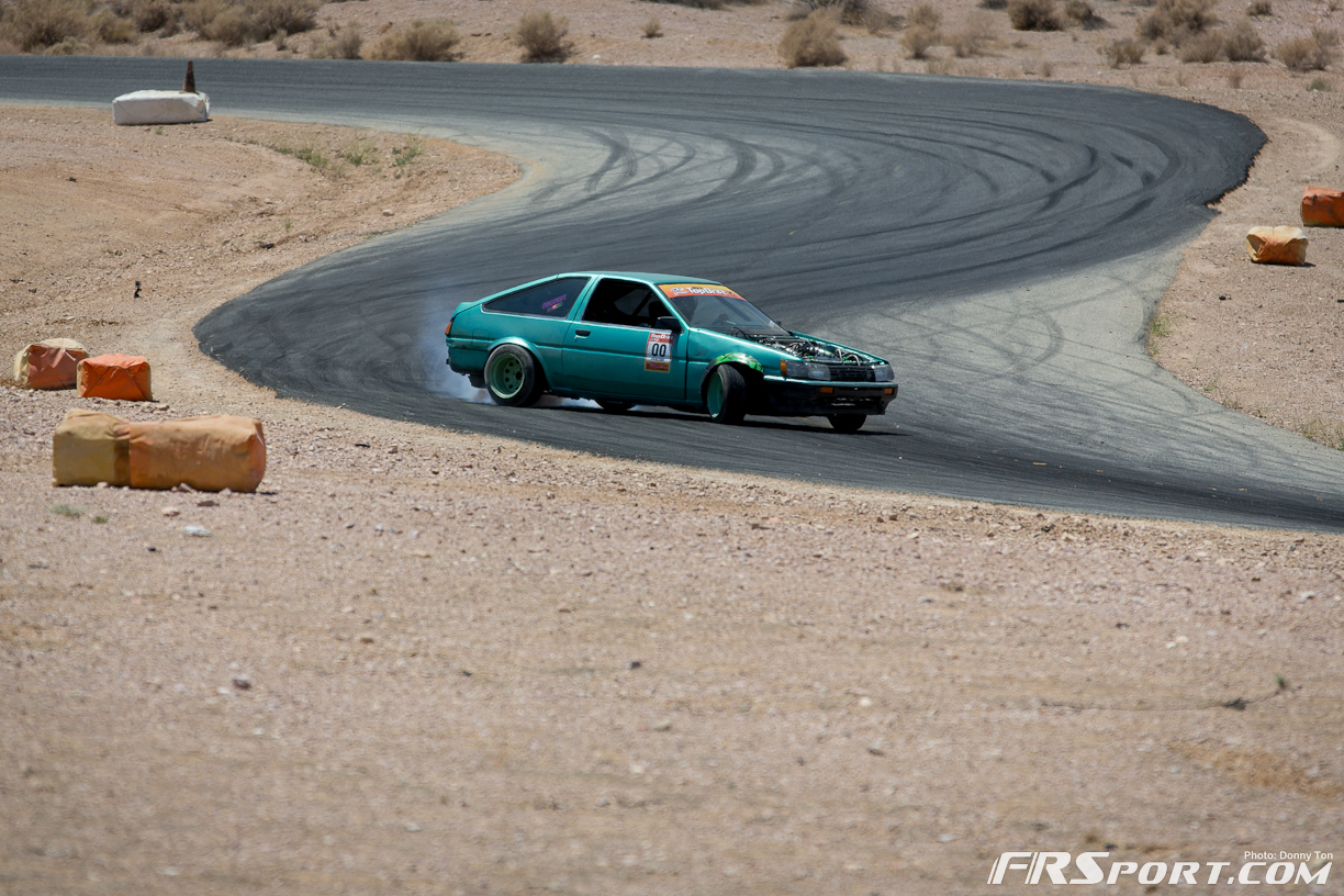 2013-top-drift-rd2-competition-day-255