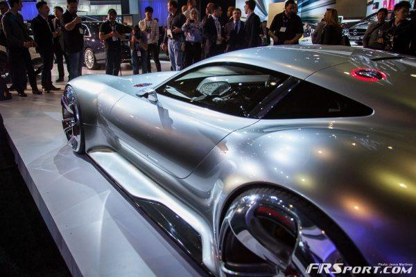 Mercedes-Benz AMG Vision Gran Turismo-015
