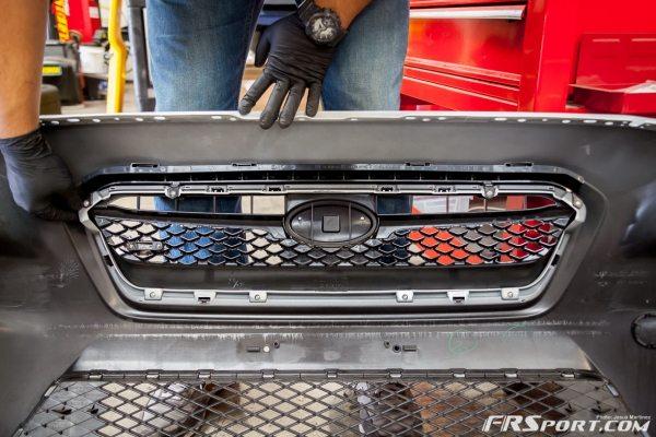 2015 Subaru STI Front Grille Install & Removal-002