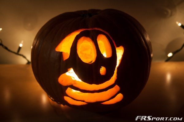 2014 FR Sport Pumpkin Carving Contest-005