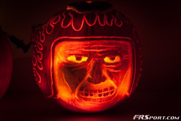 2014 FR Sport Pumpkin Carving Contest-009