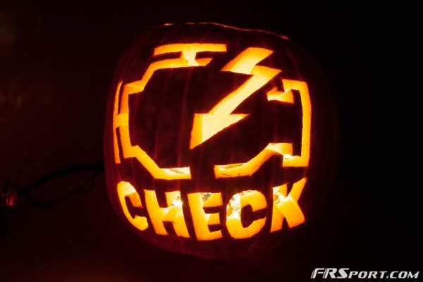 2014 FR Sport Pumpkin Carving Contest-012